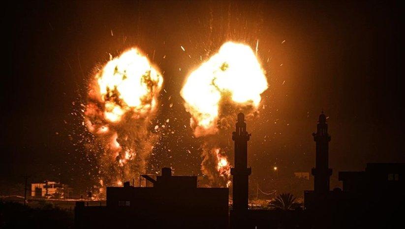 İsrail, ateşkesin ardından ilk kez Gazze'yi vurdu