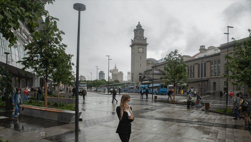 Moskova'da hizmet sektöründe çalışan yüzde 60'lık kesim için aşı zorunlu olacak