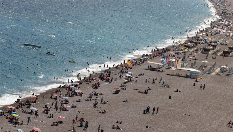 Kovid-19 vakalarının düşmesi ve aşılamanın artması turizmi hareketlendirdi