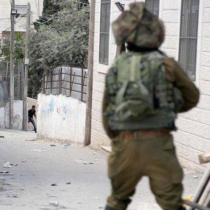 Batı Şeria'da İsrail askerlerinin vurduğu Filistinli çocuk hayatını kaybetti