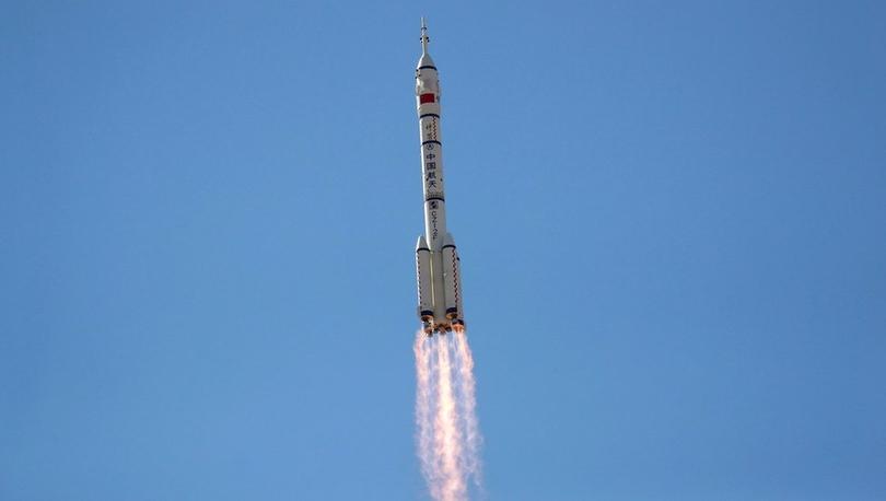 Shenzhou-12: Çin'in yeni uzay istasyonunda görev yapacak ilk astronot ekibi yola çıktı