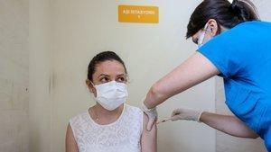 Hastaneler günlük aşı uygulama kapasitesini artırıyor