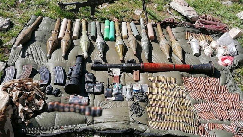 Hakkari'de terör örgütü PKK'ya yönelik operasyonda silah ve mühimmat ele geçirildi