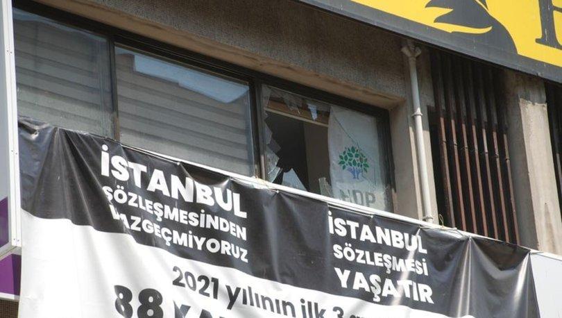 SON DAKİKA: HDP İzmir İl Başkanlığı'na silahlı saldırı: 1 kişi yaşamını yitirdi - Haberler