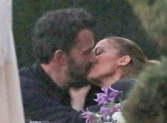 Ben Affleck sevgilisi Jennifer Lopez'in ailesiyle tanışmış! - Magazin haberleri