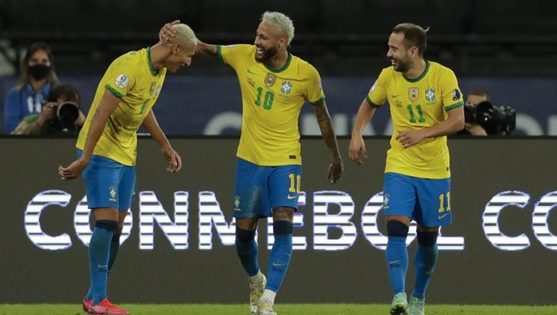 Brezilya, Kupa Amerika'da 2'de 2 yaptı