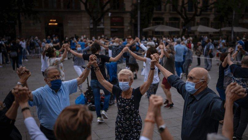 İspanya'da açık havada son maskeli hafta sonu