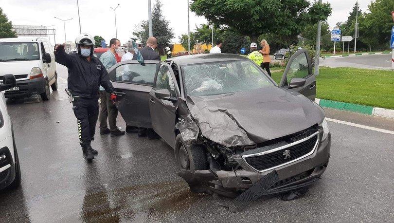 Davutoğlu'nun konvoyunda kaza! Sema Silkin Ün yaralandı - Haberler