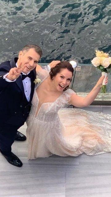 Sevinç Erbulak ile Volkan Cengen evlendi - Magazin haberleri