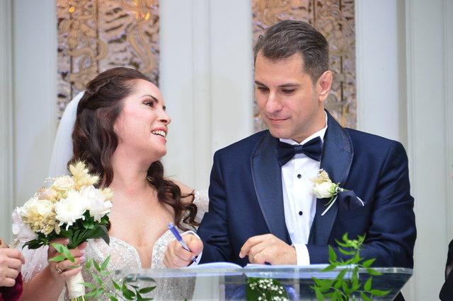 Sevinç Erbulak ile Volkan Cengen'in düğüne ünlü akını - Magazin haberleri