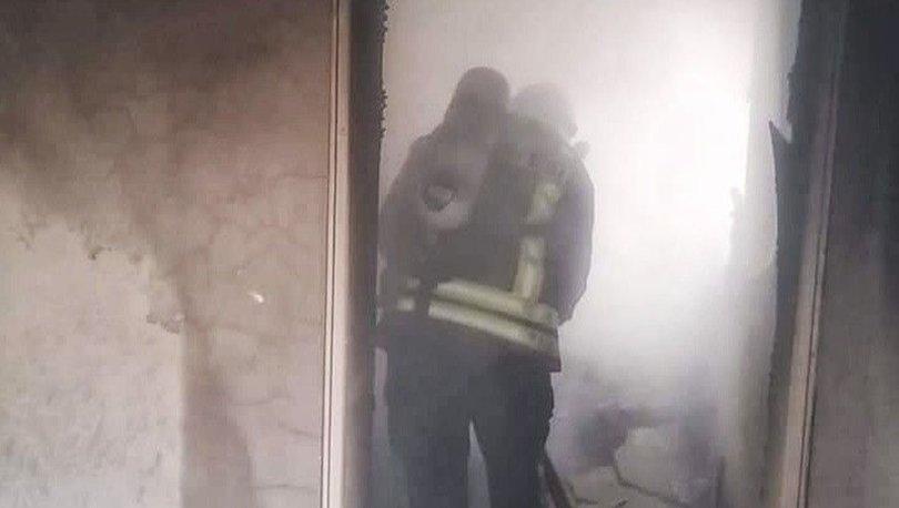 Aydın'ın Söke ilçesine bağlı Savuca Mahallesi'nde çıkan yangında bir ev kül oldu