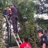 Okul bahçesinde mahsur kalan çocuğu itfaiye kurtardı