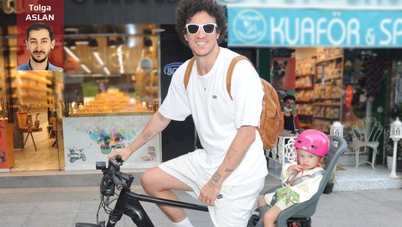 Baba-kızın bisiklet keyfi