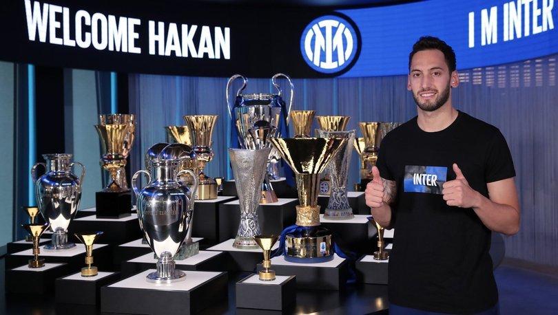 Hakan Çalhanoğlu Inter'e transfer olmaktan dolayı mutlu