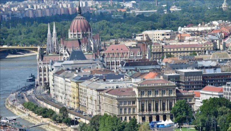 Macaristan'da 18 yaşından küçükler için