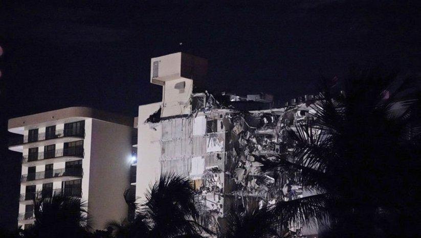 Miami'de 12 katlı bina kısmen çöktü!