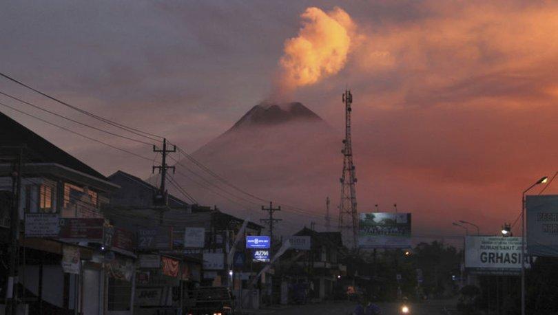 SON DAKİKA: Endonezya'daki Merapi Yanardağı'nda haziranda ikinci volkanik hareketlilik yaşandı