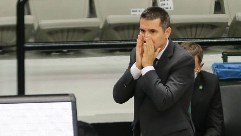 Panathinaikos'un yeni başantrenörü Priftis Dimitris oldu