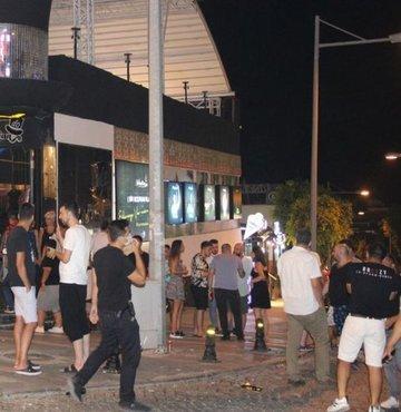 Yaklaşık 1 yıldır kapalı olan gece kulüpleri yasakların kalktığı ilk gününde hızlı bir şekilde kapılarını tekrar açtı. Eğlencenin kalbi Bodrum'da da açılan eğlence mekanlarına yerli ve yabancı turistler akın etti.