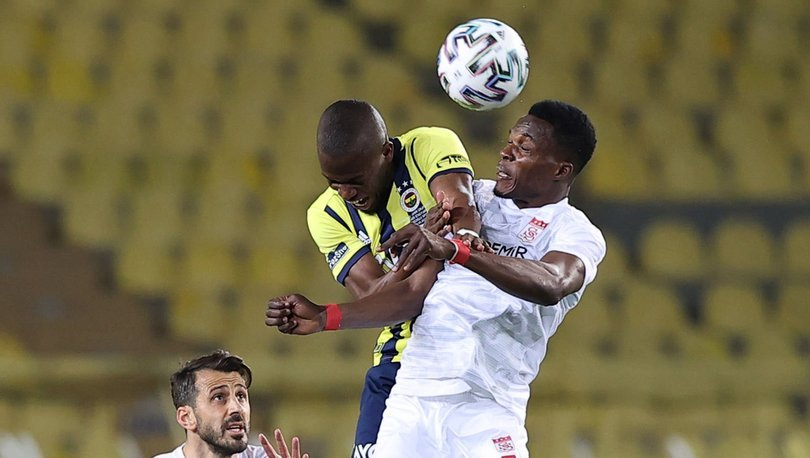 Issac Cofie 2 yıl daha Sivasspor'da
