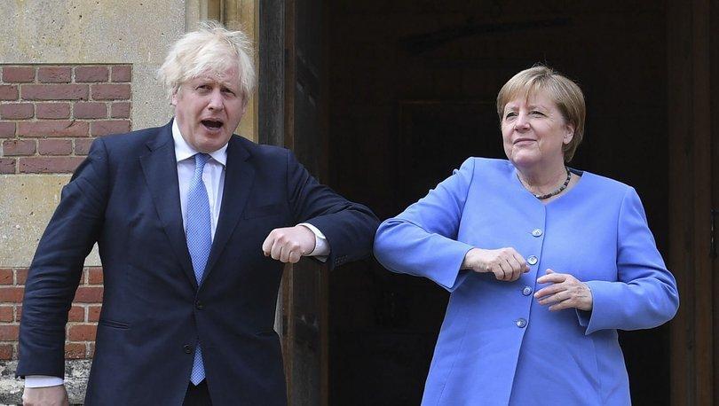 Merkel, EURO 2020 kalabalığı için endişeli olduğunu açıkladı