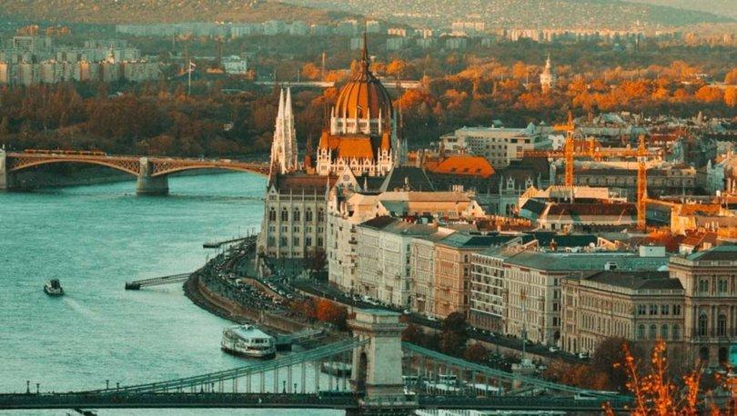 Macaristan'da kapalı alanlarda maske takma zorunluluğu kaldırılıyor