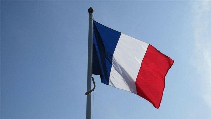 Fransa askıya aldığı