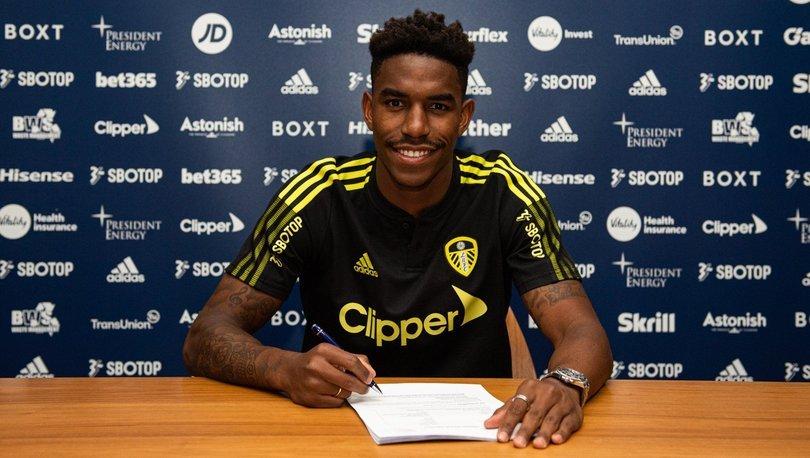 Leeds United, Barcelona'dan Junior Firpo'yu transfer etti