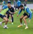 Fenerbahçe, 2021-2022 sezonu hazırlıklarını yaptığı antrenmanla sürdürdü