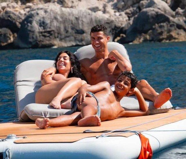 Cristiano Ronaldo: Sevdiklerimle dinlenme zamanı... - Magazin haberleri