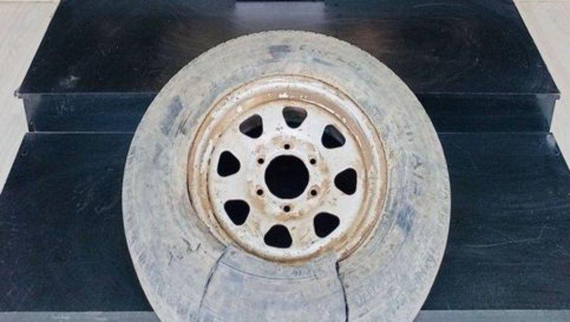 Hakkari'de aracın stepnesine gizlenmiş 5 kilo 200 gram eroin ele geçirildi