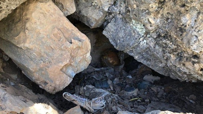 Hakkari'de kayalıklara gizlenmiş patlayıcı ele geçirildi