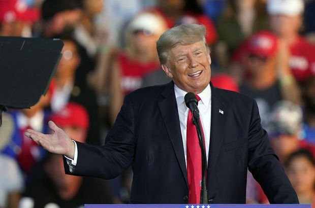 Trump'ın Hitler'i övdüğü iddia edildi!