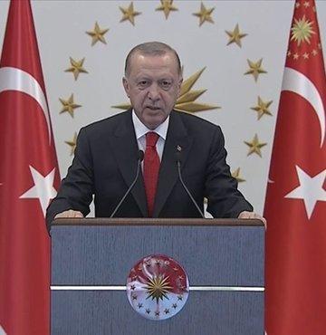 """Cumhurbaşkanı Erdoğan, """"A400M Fasbat Uçak Bakım Tesisleri Açılışı, retrofiti yapılan ilk A400M uçağının teslimi ve Stratejik İşbirliği Anlaşmaları Sertifika Töreni""""ne Cumhurbaşkanlığı Külliyesi'nden canlı bağlantıyla katıldı. Cumhurbaşkanı Erdoğan, """"Ordumuzun ihtiyaçları kapsamında bu projeyi 14 ay gibi rekor bir sürede tamamladık"""" ifadelerini kullandı..."""