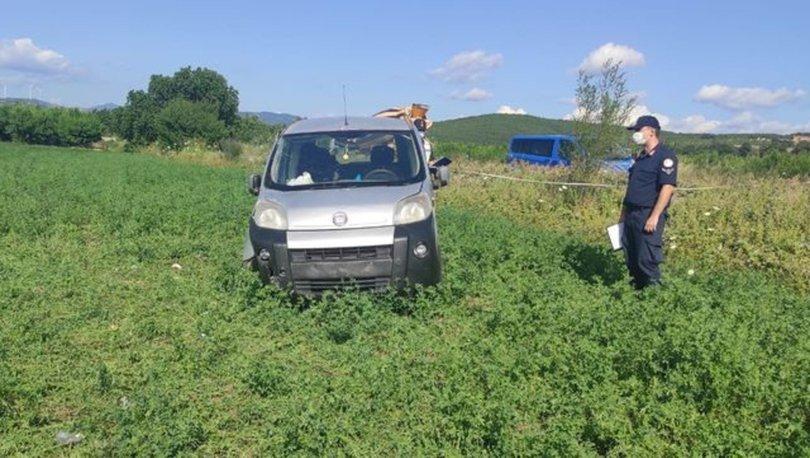 Çanakkale'de hafif ticari araç devrildi: 1 ölü, 2 yaralı