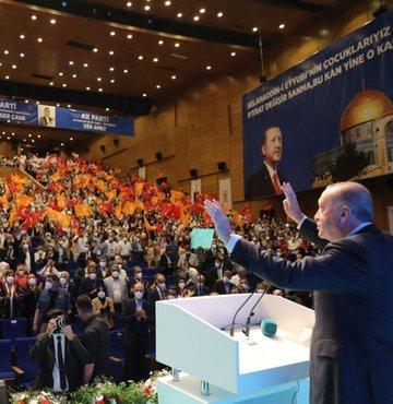 """Cumhurbaşkanı Recep Tayyip Erdoğan, """"Kefenimizi giyip çıktığımız bu yolda, Allah"""