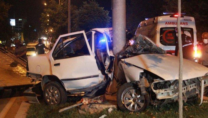 Gaziantep'te otomobil mobese direğine çarptı, sürücü öldü