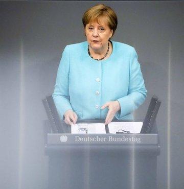 Almanya Başbakanı Angela Merkel, yeni tip koronavirüs (Covid-19) salgınıyla mücadelede Almanya