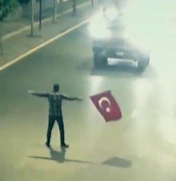Türkiye demokrasi tarihi, bundan 5 yıl önce çok büyük bir badireyi atlattı. Türk Silahlı Kuvvetleri içine sızmış FETÖ