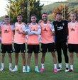 Beşiktaş, yeni sezon hazırlıklarına bu akşam yaptığı antrenmanla devam ederken yeni transfer Kenan Karaman, takımla birlikte ilk antrenmanına çıktı.
