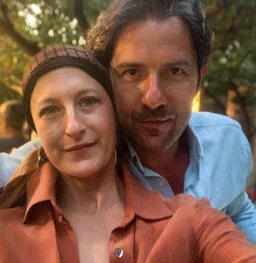 Kenan Ece, kendisi gibi oyuncu olan ve kanserle mücadele eden eşi Canan Ergüder