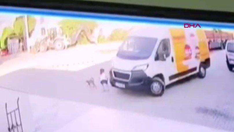 YÜREK YAKTI! Son dakika: Kedi sevmek isteyen minik Ayla minibüsün altında kaldı! - Haberler