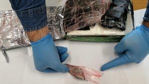 Uçaktan atılan kokain yanlış eve düştü! - Haberler