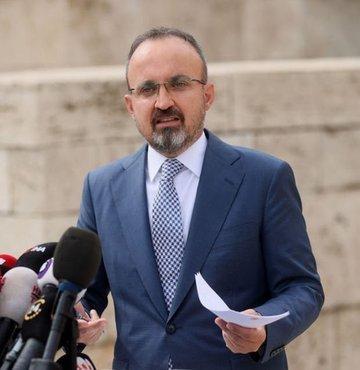 """AK Partili Bülent Turan, OHAL yetkisi hakkında, """"Gözaltı, ihraç düzenlemesi 3 yıldan 1 yıla indirildi"""" dedi."""
