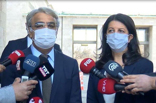 """Türkçe ve Kürtçe """"Aşı olun"""" çağrısı yaptılar"""