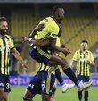 Yeni sezon hazırlıklarına devam eden Fenerbahçe, ikinci maçında ligin güçlü ekiplerinden Kasımpaşa ile karşı karşıya gelmeye hazırlanıyor. İşte sarı lacivertli taraftarların büyük bir merakla beklediği Fenerbahçe Kasımpaşa maçı ile ilgili ayrıntılar...