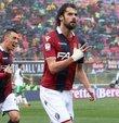 Yeni sezon öncesinde transfer çalışmalarına devam eden Antalyaspor, İtalyan orta saha Andrea Poli ile anlaşmaya vardı