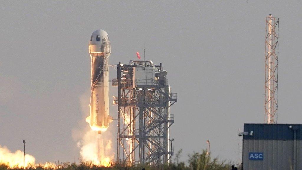 Uzaya uçuşlar başladı! İlk biletler satıldı