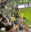 PSV ile Galatasaray arasındaki Şampiyonlar Ligi 2. ön eleme turu maçının ilk yarısı sona erdikten sonra bir grup PSV taraftarı, sarı-kırmızılı ekibe yönelik sözlü tacizde bulundu