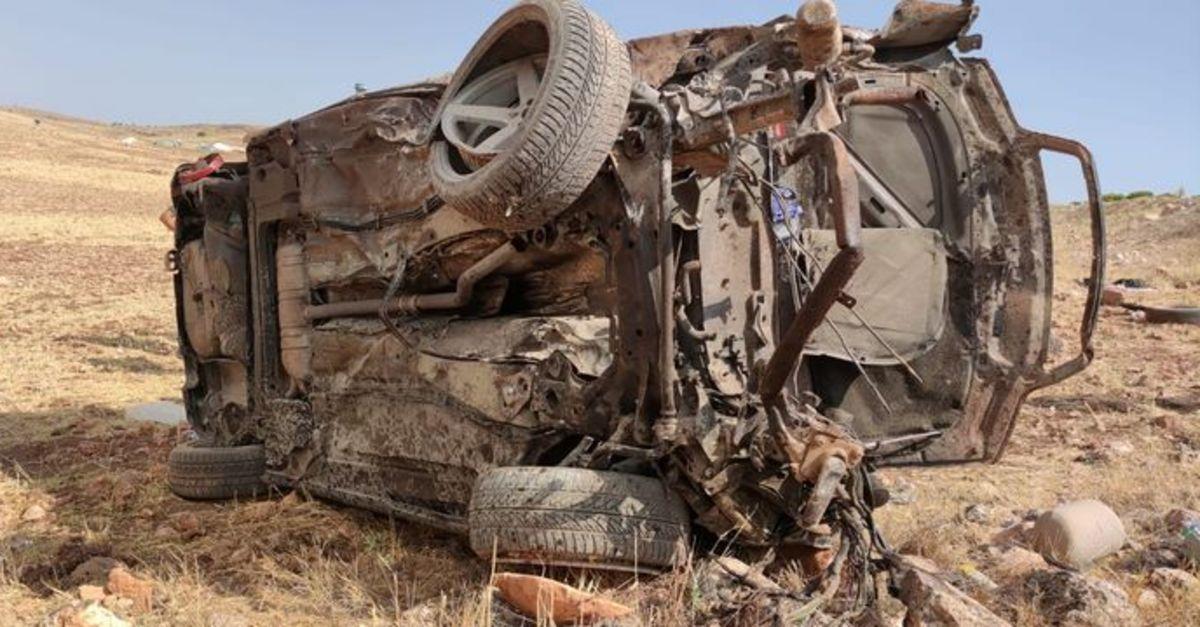 Mardin'de otomobil takla attı: 2 asker hayatını kaybetti - Son Dakika  Haberleri
